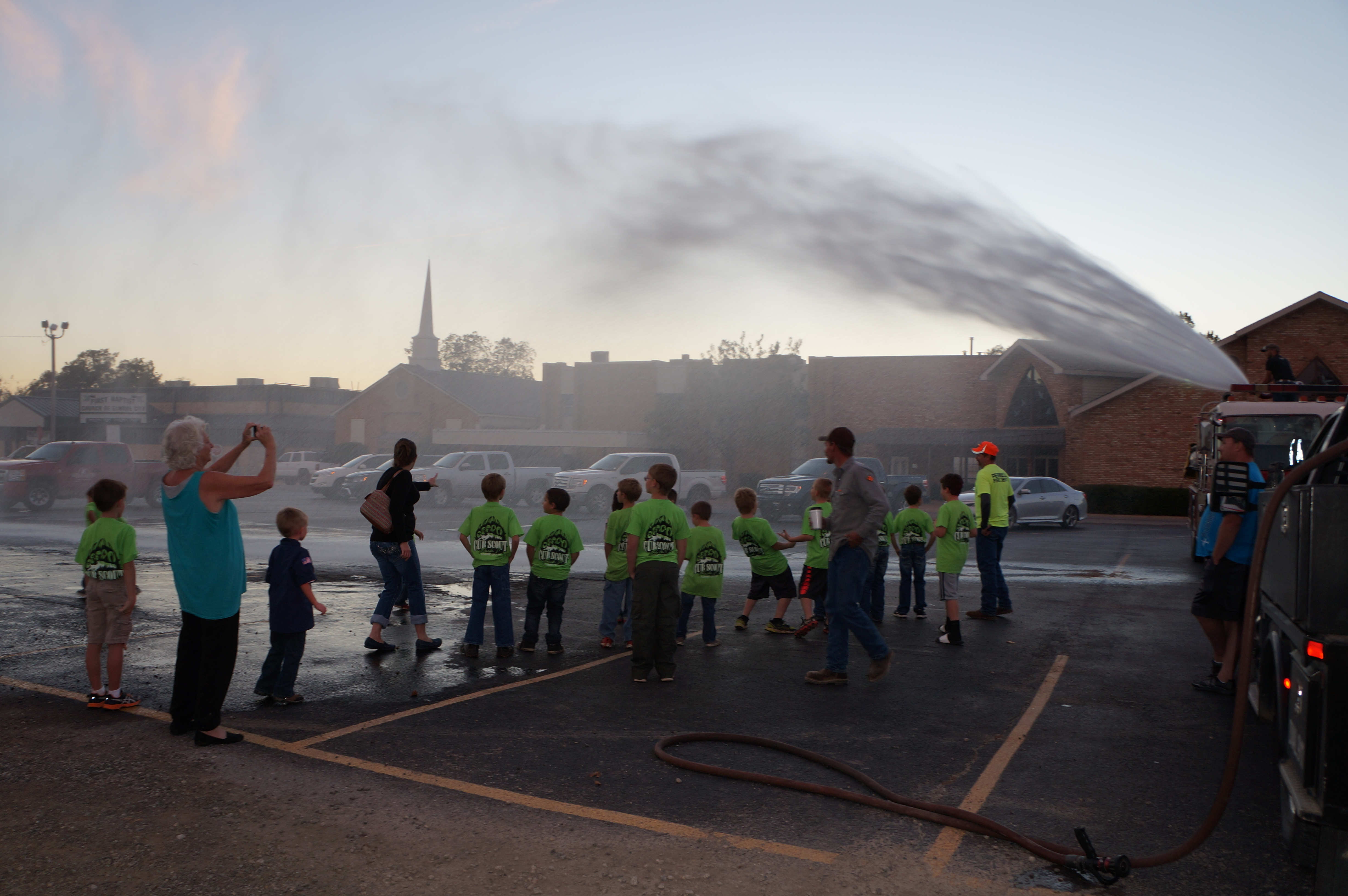 Cub Scout Pack 71 From Elmore OK Has Fun With The Local Fire Department In Their ClassB T-shirts