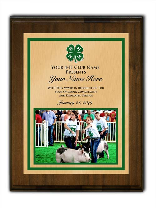 4-h custom walnut vertical with photo plaque