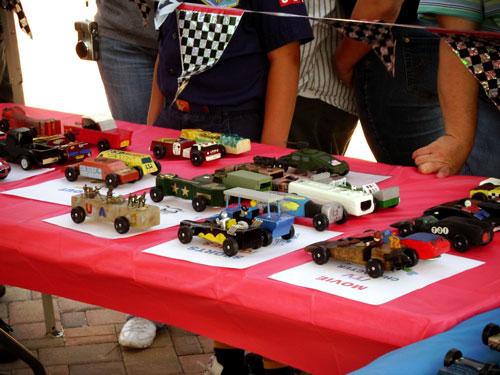 pinewood derby car display
